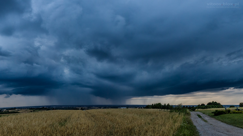 Fot. Witold Ochał, Zagorzyce burza, opady, smugi opadowe