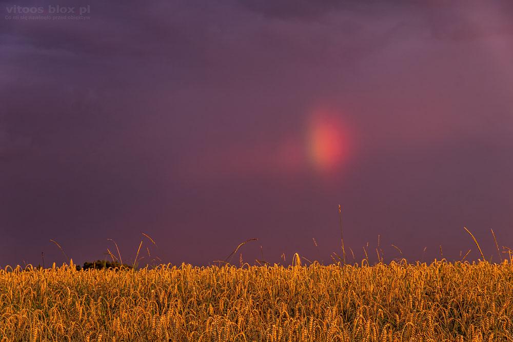 Fot. Witold Ochał, Zagorzyce, kolorowe niebo i tęcza