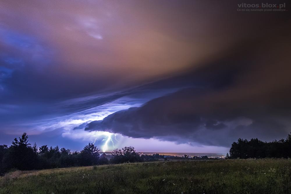 Fot. Witold Ochał, Zagorzyce, burza, chmura szelfowa, błyskawice