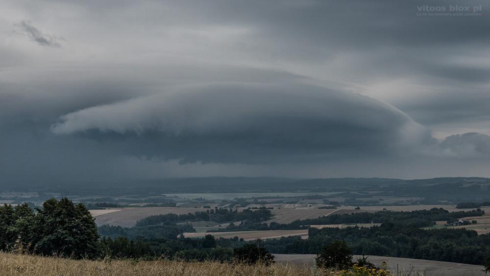 Fot. Witold Ochał, burza nad Rzeszowem, chmura szelfowa
