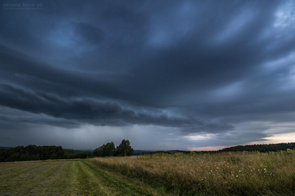 Fot. Witold Ochał, Szkodna, czoło burzy, chmura szelfowa