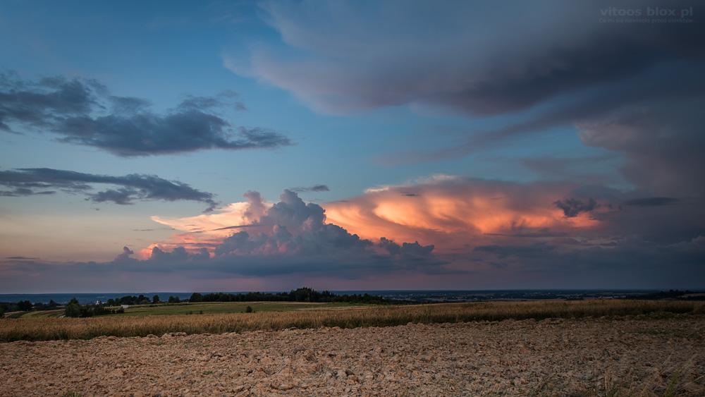 Fot. Witold Ochał, Zagorzyce, chmury burzowe